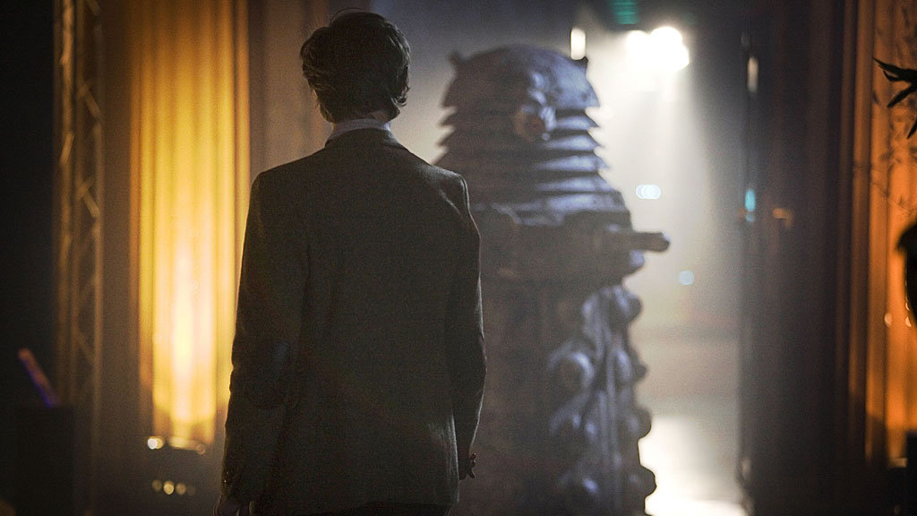 http://static.bbc.co.uk/images/ic/qe/crop/946x532//doctorwho/episodes/d11/s01/e13/wallpaper/w0137.jpg