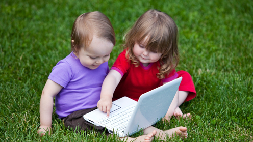 children at a laptop